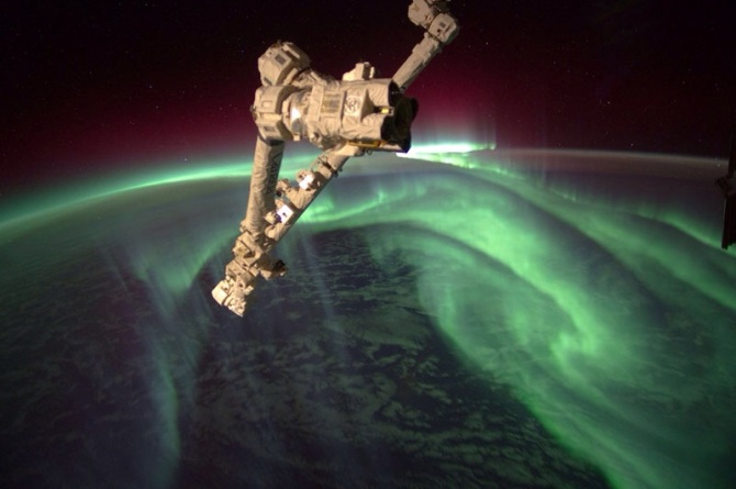 This picture of the phenomenon known as Northern Lights, which has a lot to do with magnetism, was taken by Puerto Rican astronaut, Joseph M. Acaba.